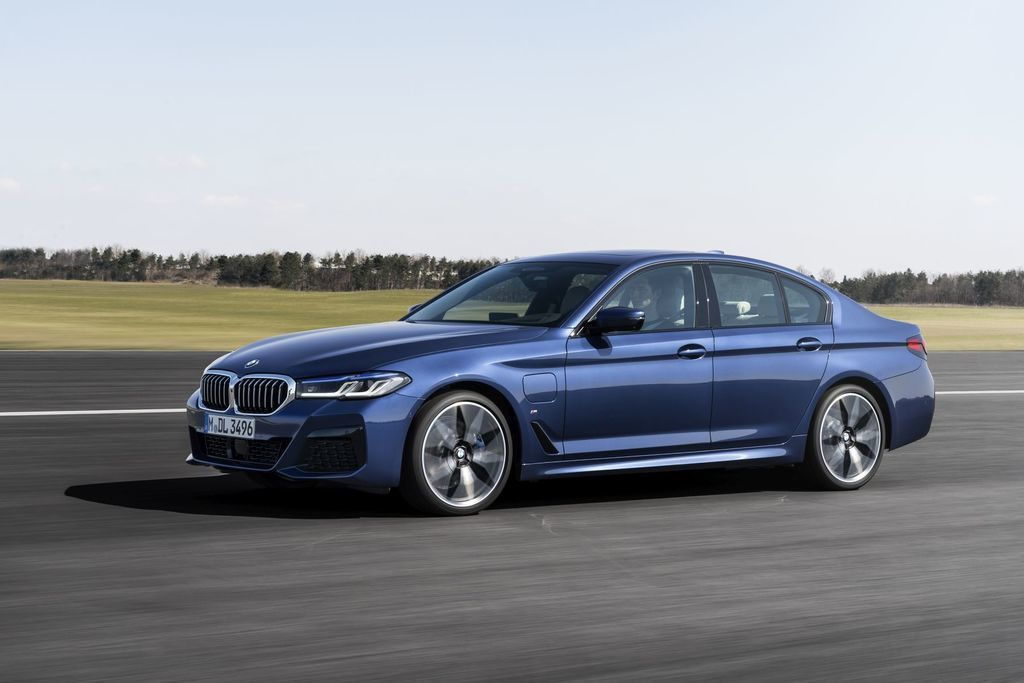 Content bmw 5  facelift 2021 autozurnal.com 14