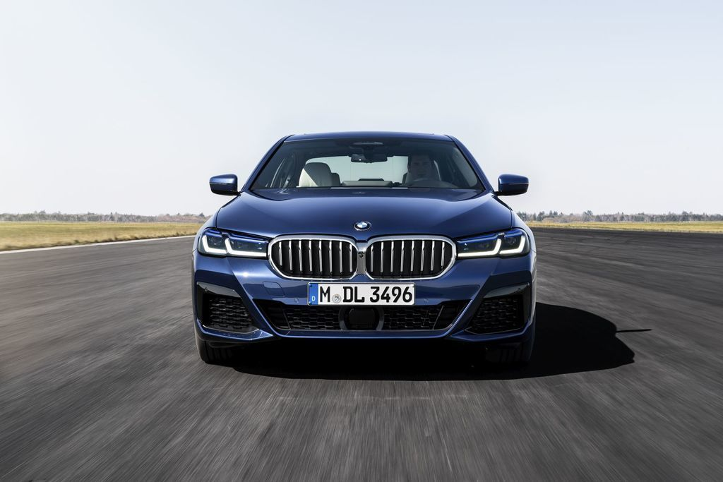 Content bmw 5  facelift 2021 autozurnal.com 15