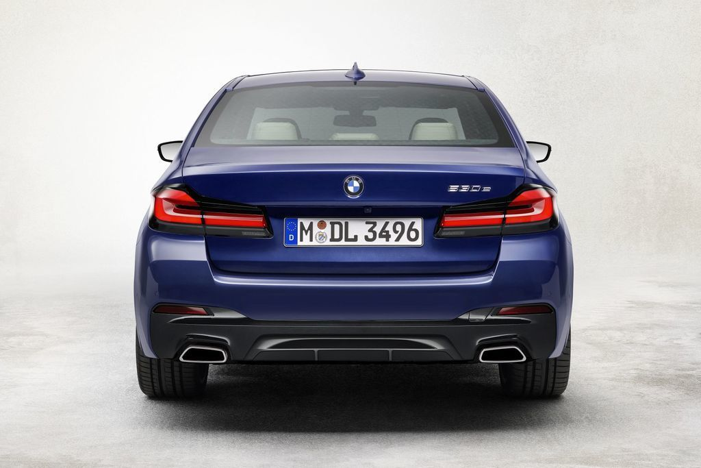Content bmw 5  facelift 2021 autozurnal.com 27