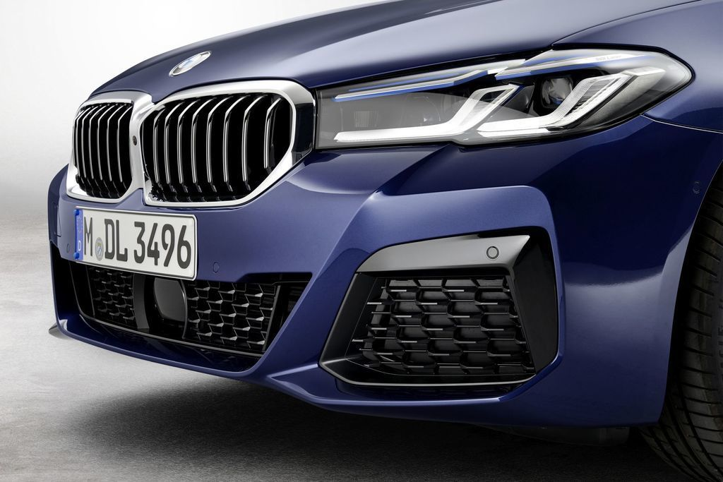 Content bmw 5  facelift 2021 autozurnal.com 28