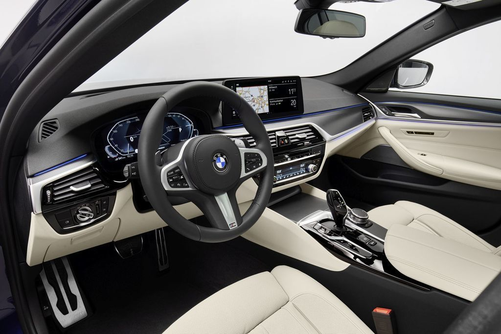 Content bmw 5  facelift 2021 autozurnal.com 42