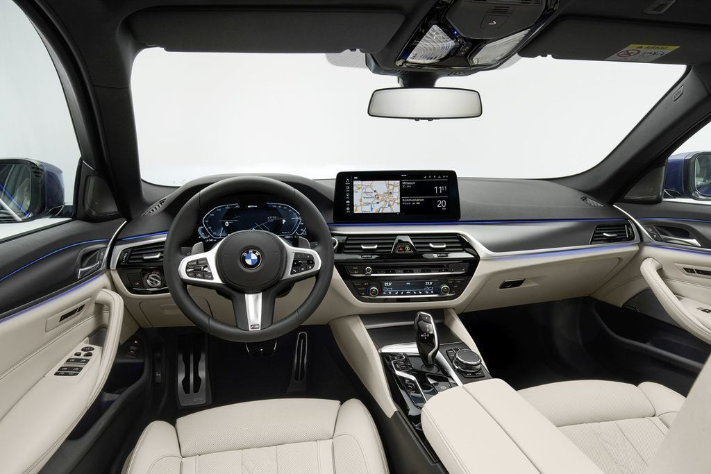 Content bmw 5  facelift 2021 autozurnal.com 43