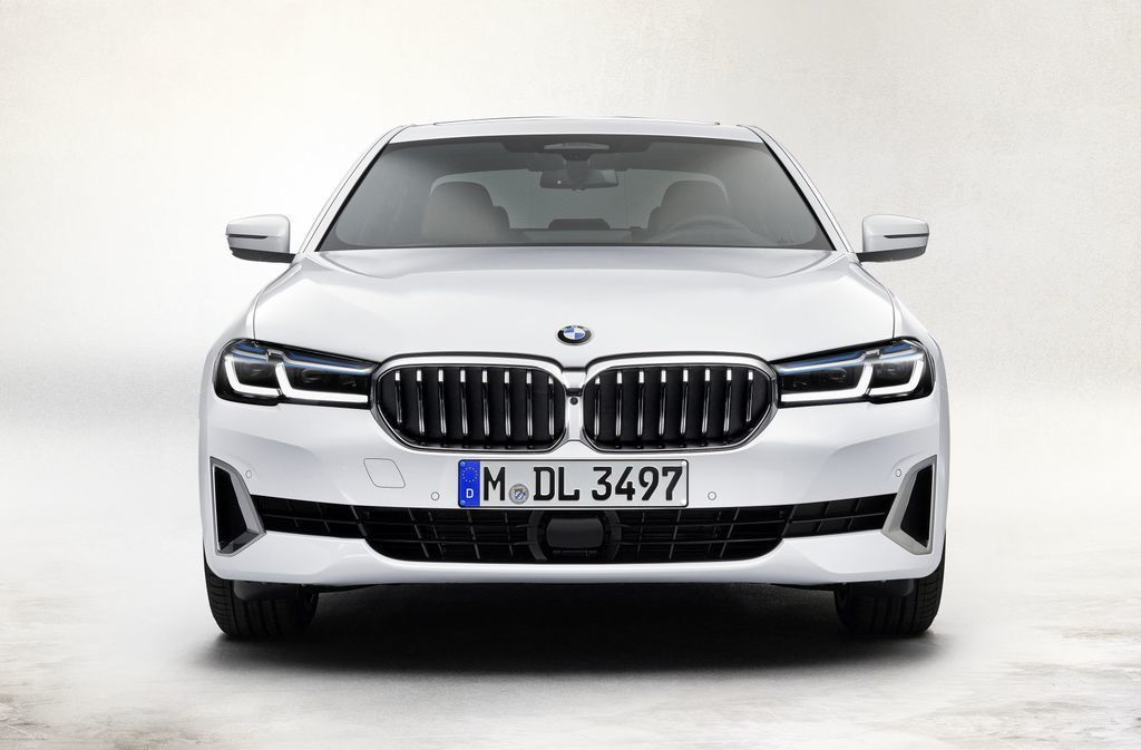 Content bmw 5  facelift 2021 autozurnal.com 59