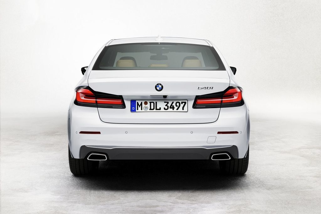 Content bmw 5  facelift 2021 autozurnal.com 60