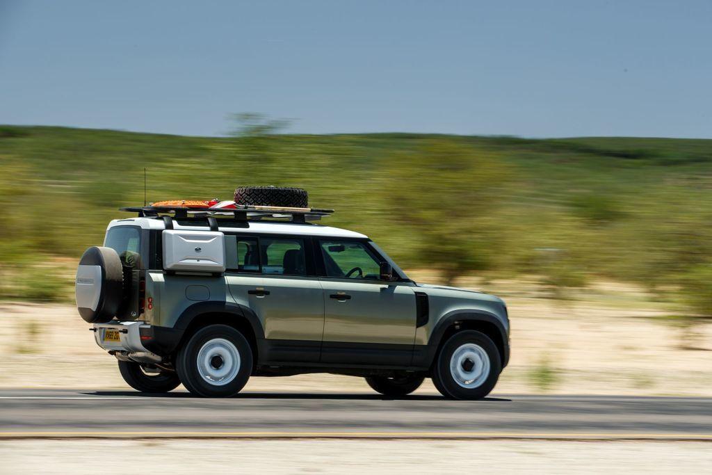 Content land rover defender 2020 test prva jazda autozurnal.com 5