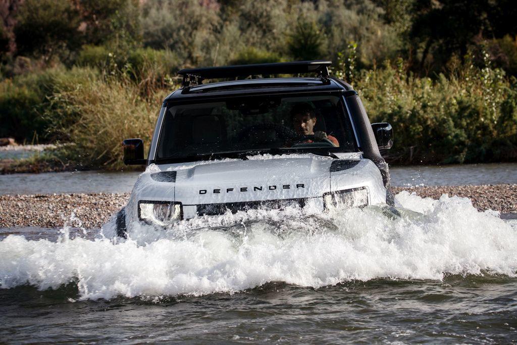Content land rover defender 2020 test prva jazda autozurnal.com 7