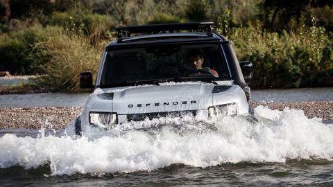 Thumb land rover defender 2020 test prva jazda autozurnal.com 7
