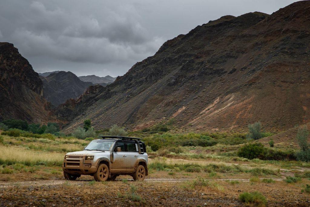 Content land rover defender 2020 test prva jazda autozurnal.com 8