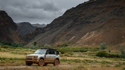 Thumb land rover defender 2020 test prva jazda autozurnal.com 8