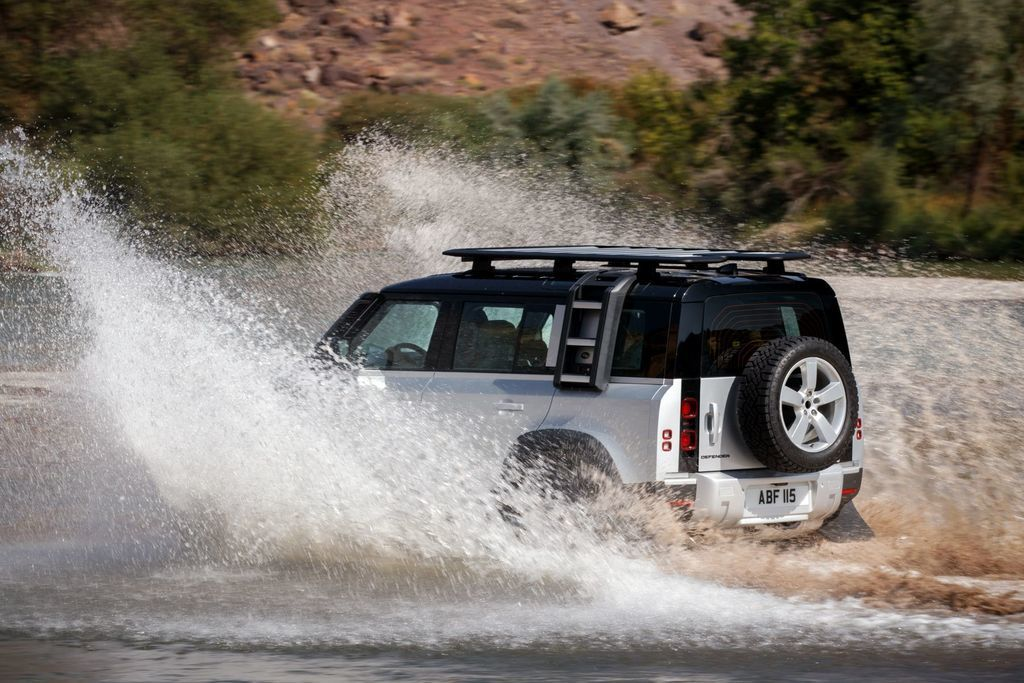 Content land rover defender 2020 test prva jazda autozurnal.com 9