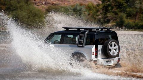 Thumb land rover defender 2020 test prva jazda autozurnal.com 9