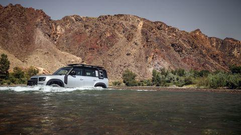 Thumb land rover defender 2020 test prva jazda autozurnal.com 10