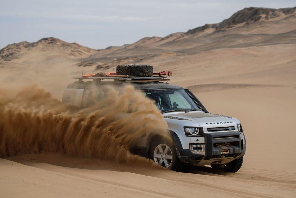 Content land rover defender 2020 test prva jazda autozurnal.com 11