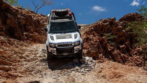 Thumb land rover defender 2020 test prva jazda autozurnal.com 13