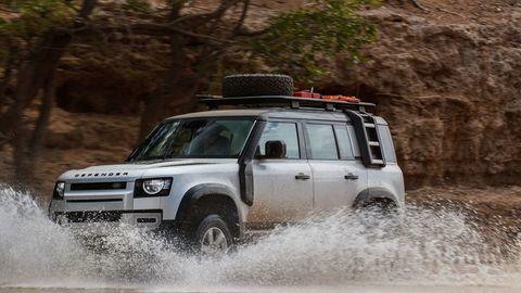 Thumb land rover defender 2020 test prva jazda autozurnal.com 15