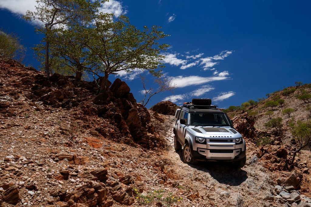 Content land rover defender 2020 test prva jazda autozurnal.com 16