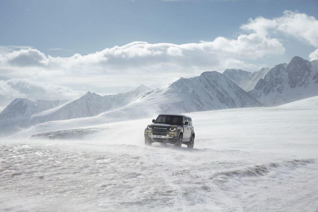 Content land rover defender 2020 test prva jazda autozurnal.com 18