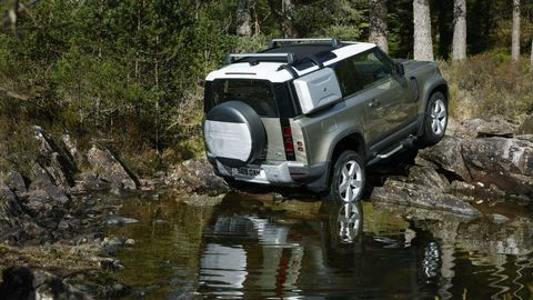 Thumb land rover defender 2020 test prva jazda autozurnal.com 21