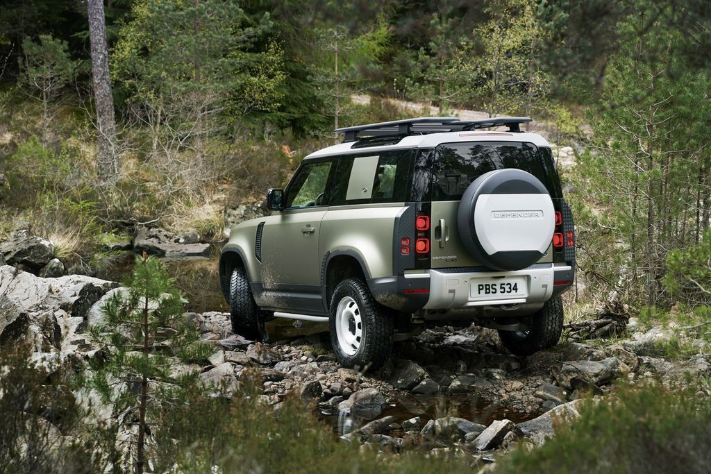 Content land rover defender 2020 test prva jazda autozurnal.com 22