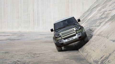 Thumb land rover defender 2020 test prva jazda autozurnal.com 24
