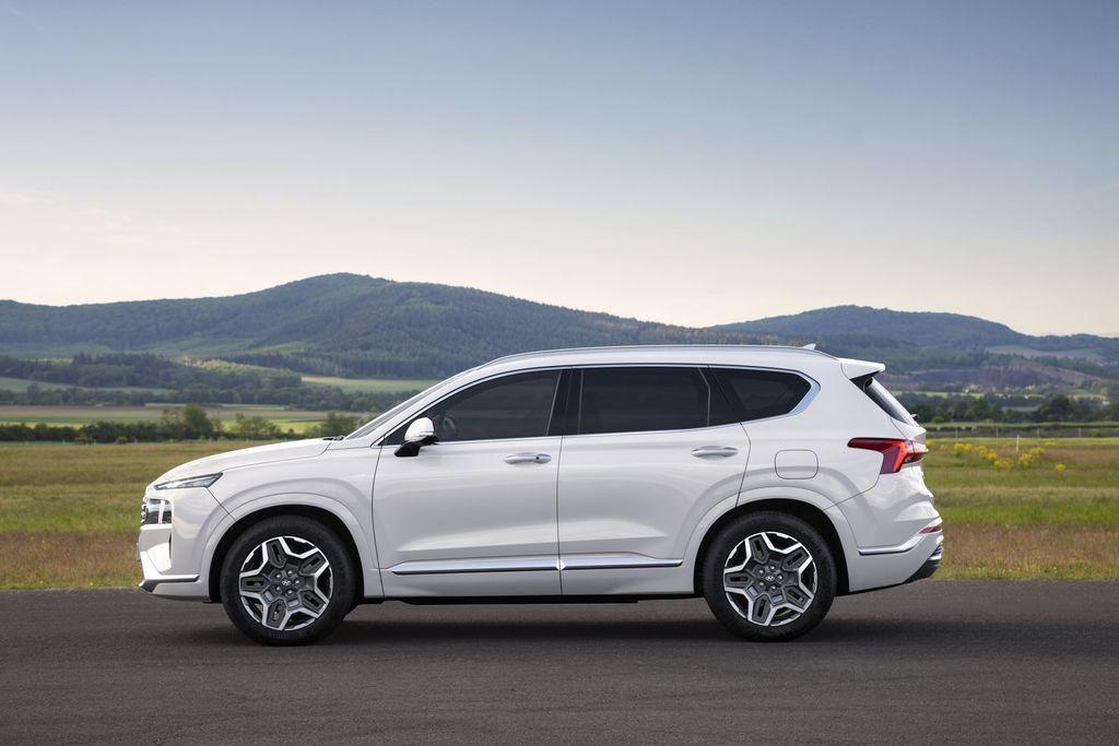 Content novy hyundai santafe 2020 facelift autozurnal.com 12