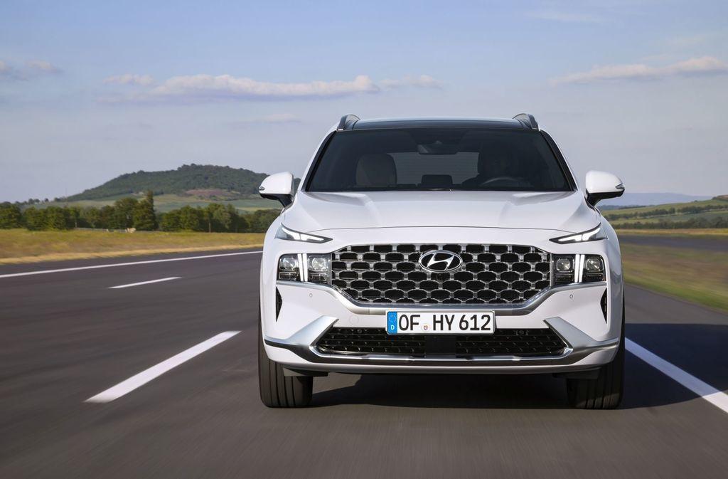Content novy hyundai santafe 2020 facelift autozurnal.com 18