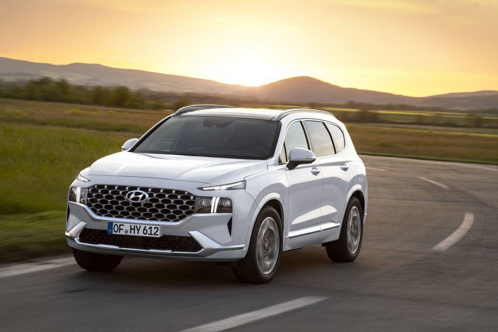 Content novy hyundai santafe 2020 facelift autozurnal.com 19