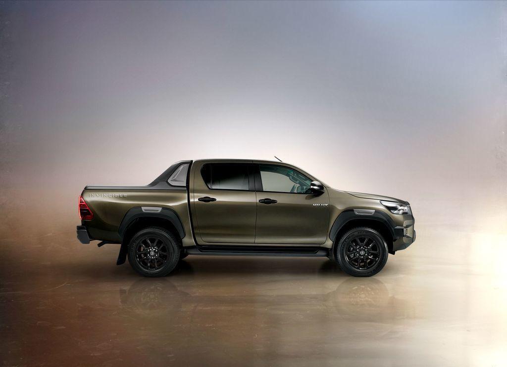 Content nova toyota hilux 2020 facelift autozurnal.com 25