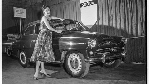 Thumb shari stennette  queen of show  poses with czech car  los angeles 1958