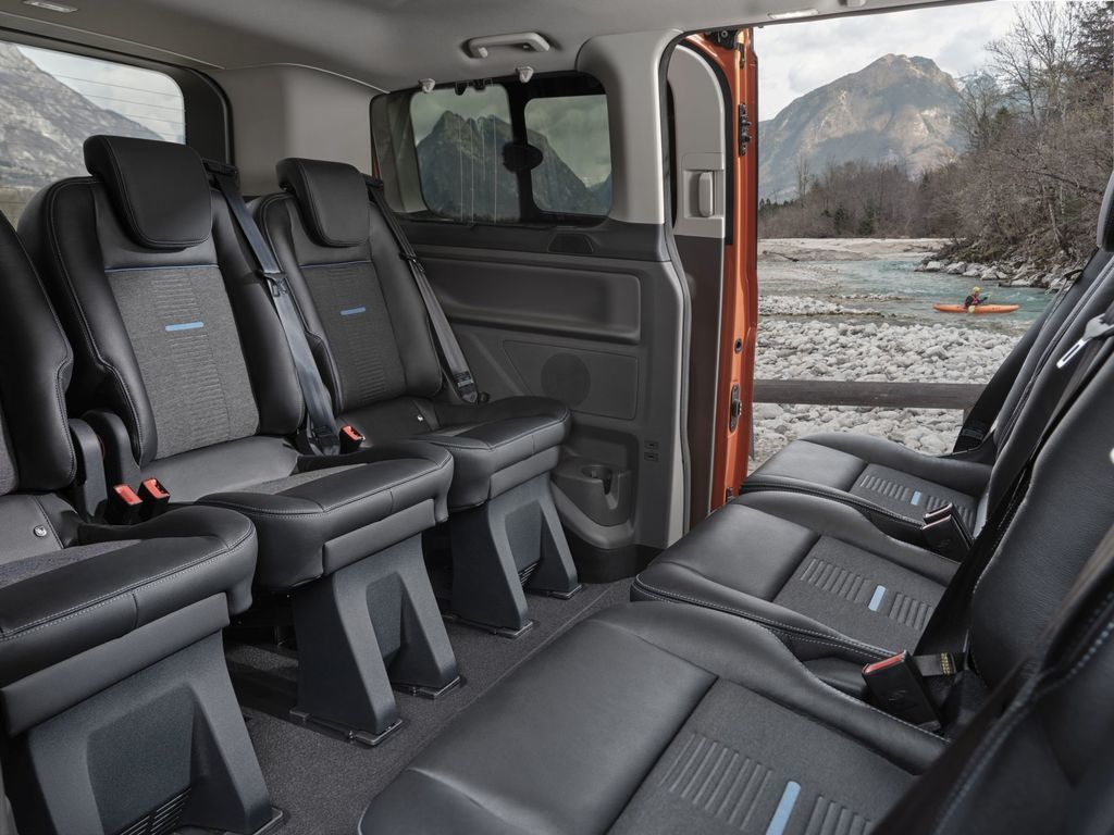 Content ford transit tral a active autozurnal.com 2