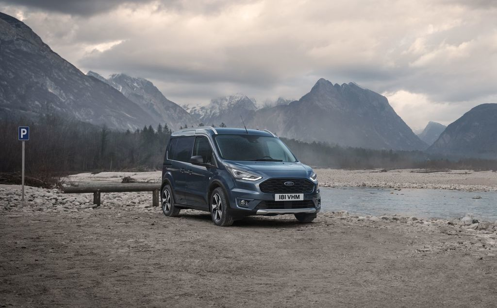 Content ford transit tral a active autozurnal.com 9