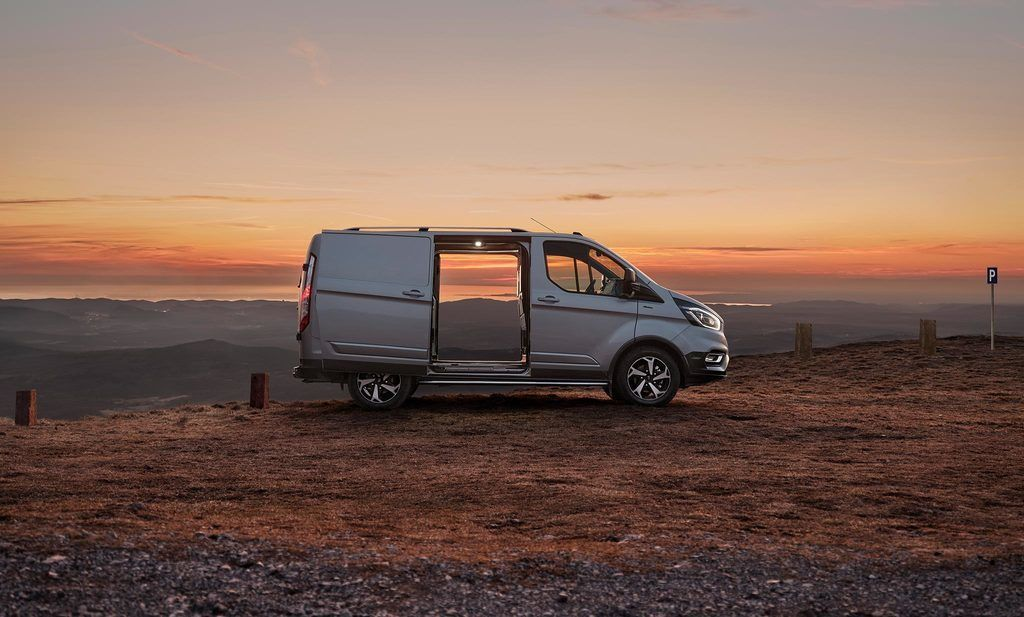 Content ford 2020 transit custom active 03 low