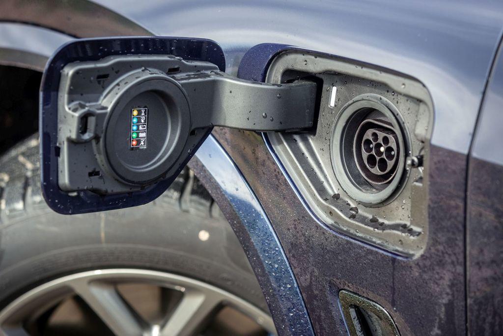Content test bmw x5 45e plug in hybrid autozurnal.com 2
