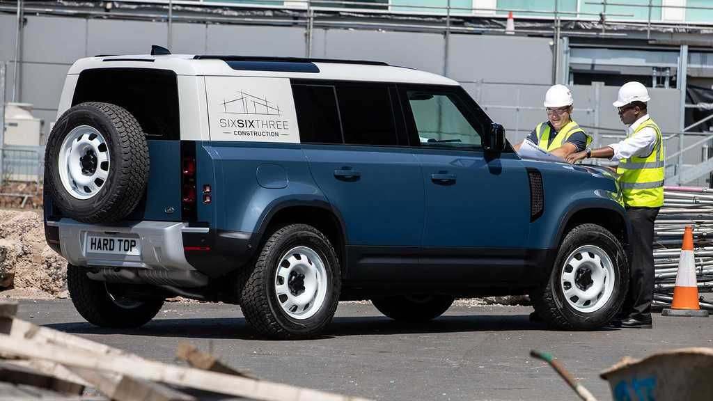 Content land rover defender hard top  2