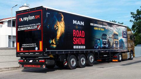 Thumb 03 man road show 2020