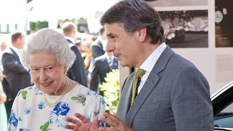 Thumb hm the queen and dr ralf speth 2