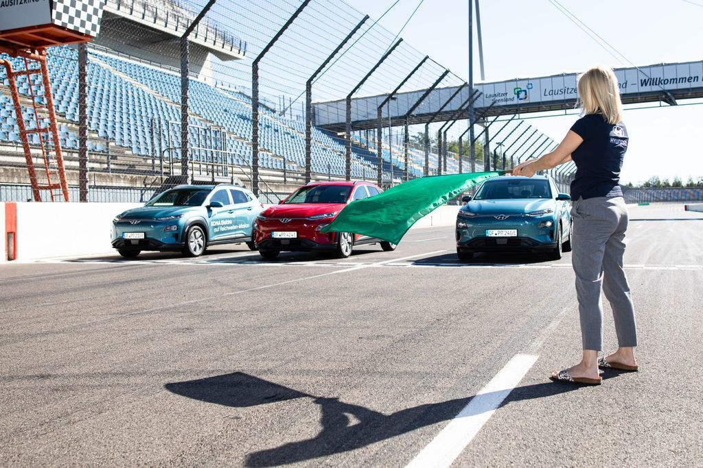 Content hyundai kona elekctric ev 1000 km dojazd autozurnal.com 12