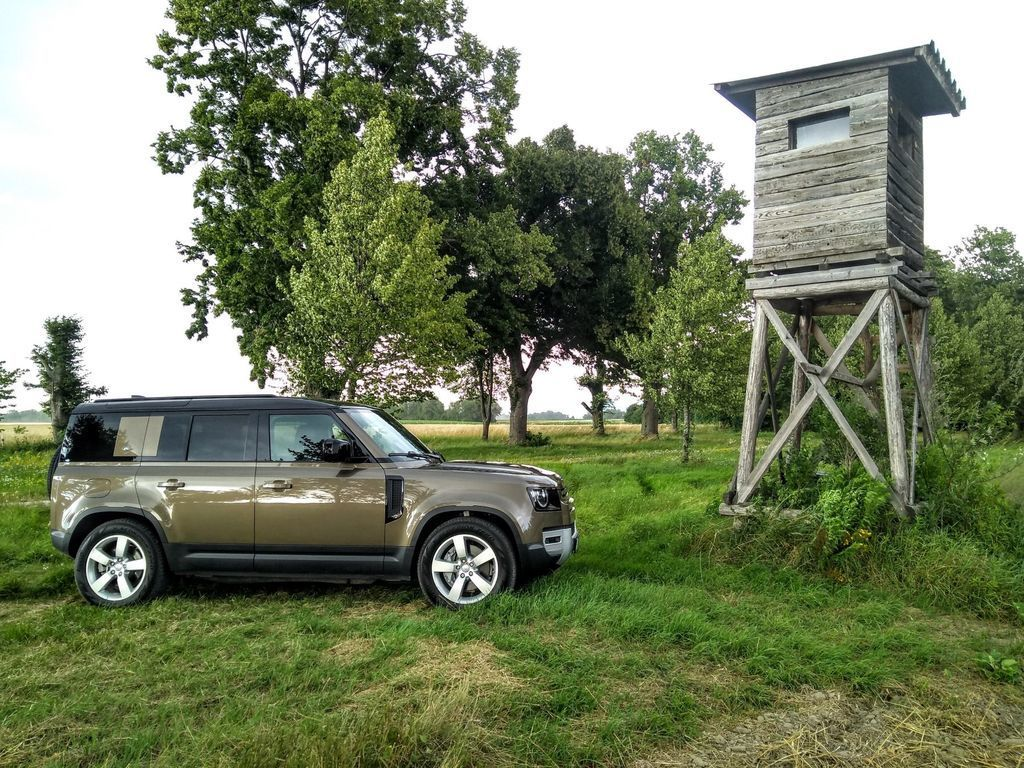 Content test land rover defender 110 p400 2020 autozurnal.com 12