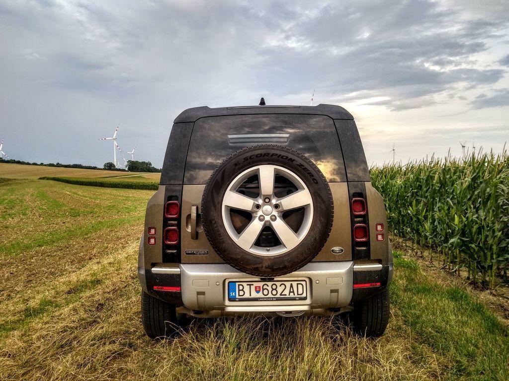 Content test land rover defender 110 p400 2020 autozurnal.com 44