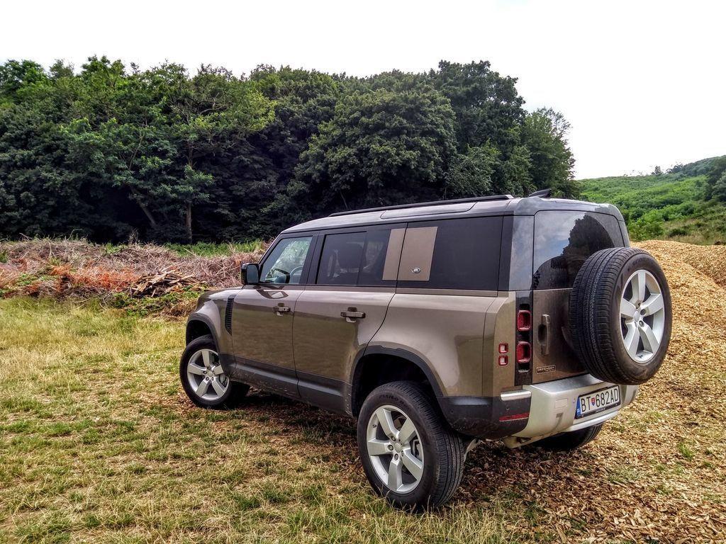 Content test land rover defender 110 p400 2020 autozurnal.com 60