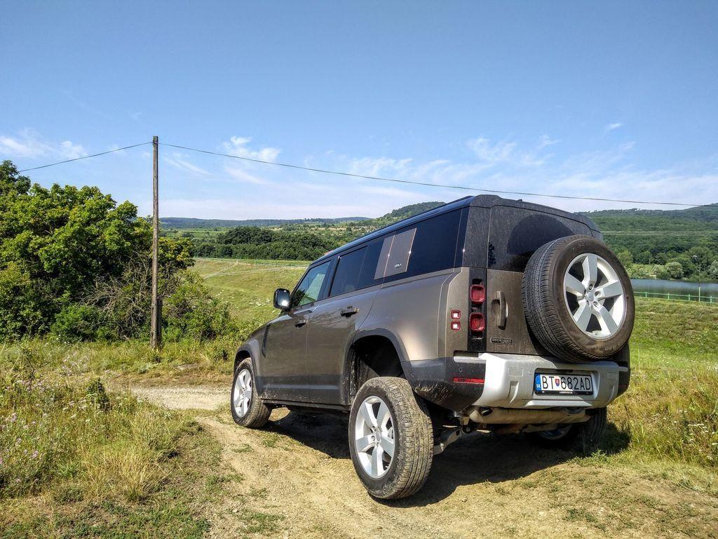 Content test land rover defender 110 p400 2020 autozurnal.com 62