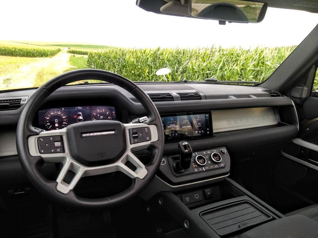 Content test land rover defender 110 p400 2020 autozurnal.com 42