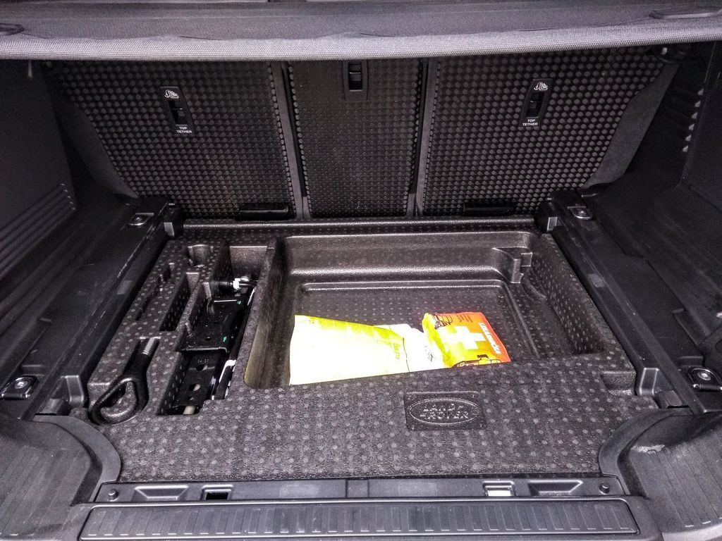 Content test land rover defender 110 p400 2020 autozurnal.com 47