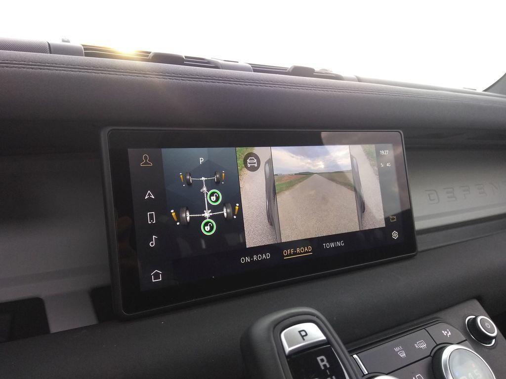 Content test land rover defender 110 p400 2020 autozurnal.com 53