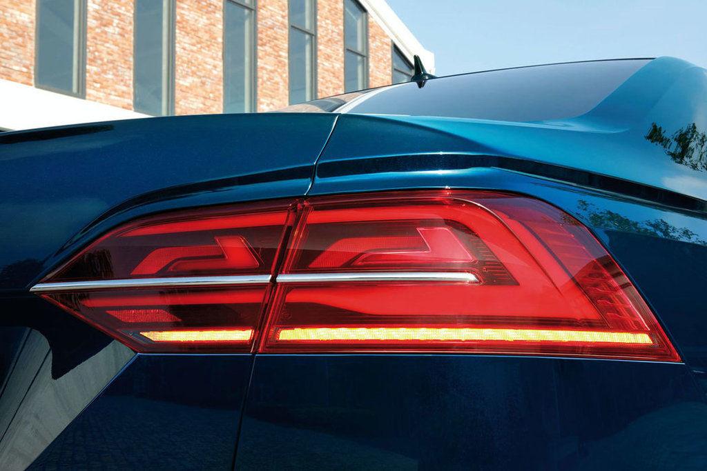Content vw phideon 2021 facelift autozurnal.com 7