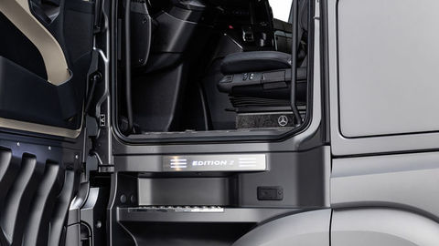 Thumb 15 actros edition 2