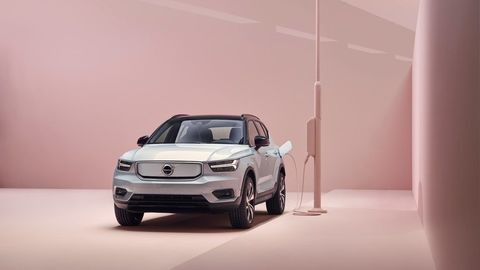 Thumb content 259200 volvo xc40 recharge p8 awd in glacier silver