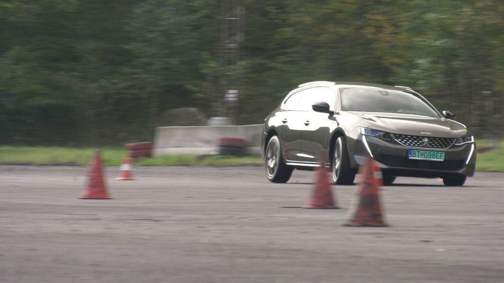 Content peugeot 508 hybrid test autozurnal.com 4