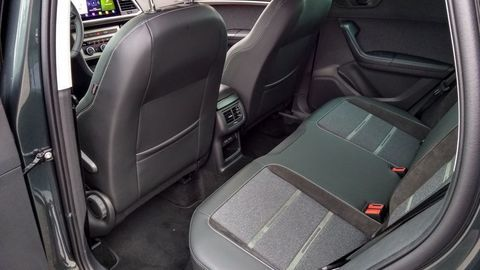 Thumb seat ateca 2.0 tsi 2021 test autozurnal.com 11