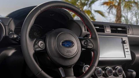 Thumb 2022 subaru brz interior steering wheel